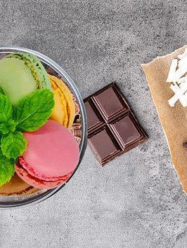 Macaron met vloeibare chocolade